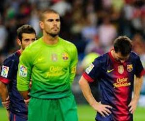 Barcelona face Valencia with the aim of bouncing back from their Supercopa 2012 defeat to Real Madrid.