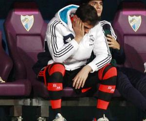 Iker Casillas is going through the worst moment of his career as Jose Mourinho has been benching him.