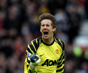 Chelsea vs Manchester United: Van der Sar will be a player to watch
