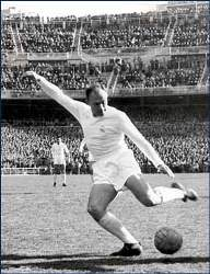 Real Madrid's Alfredo di Stefano is one of El Clasico legends.