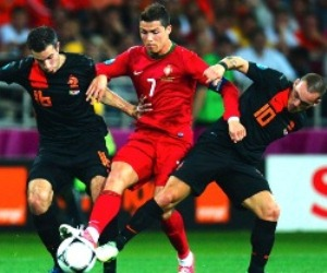 Cristiano Ronaldo and Robin van Persie will be under the spotlight this Friday during the 2014 FIFA World Cup qualifiers in Europe.
