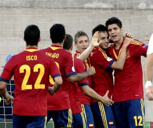 Spain are favourites to beat Italy in the 2013 UEFA Euro U-21 Championship final.