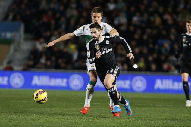 Isco gets standing ovation by Elche fans