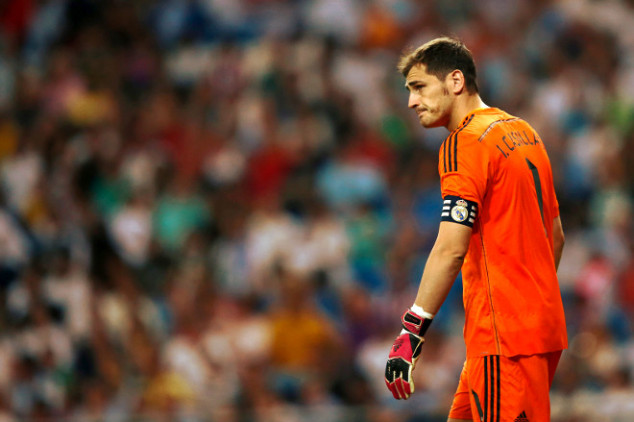 Casillas booed by Real crowd