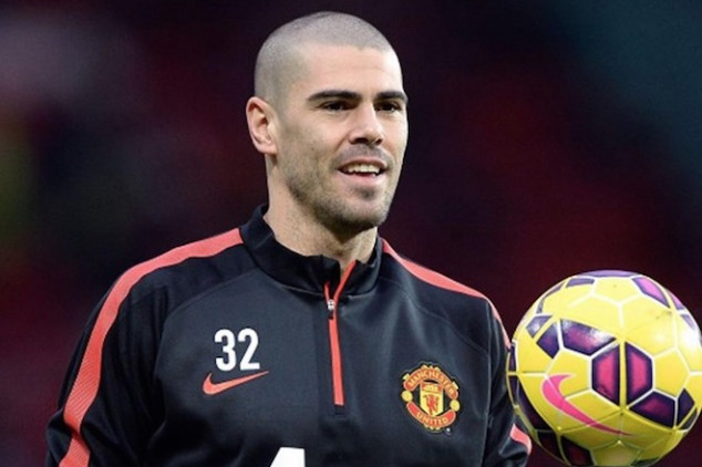 Valdes leaves on a free transfer to Besiktas