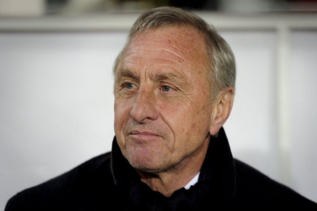 Footballers pay their respect to Johan Cruyff