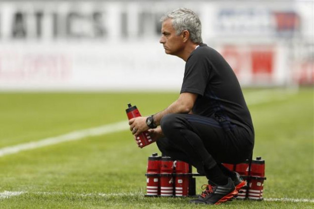 Mou starts his term at Man UTD with a win