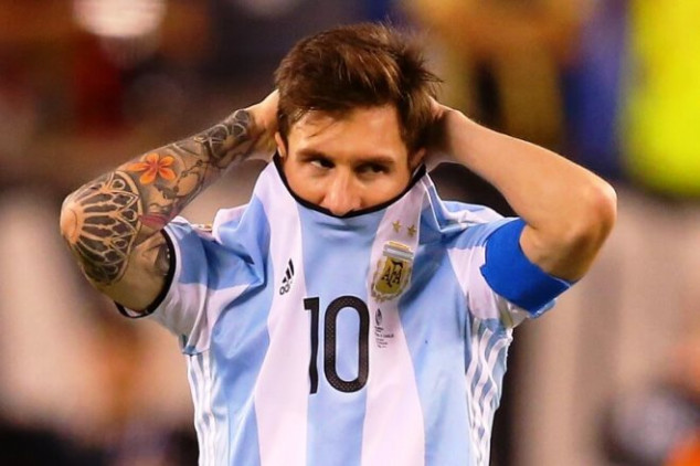 Messi blasted for 'being poor in bed'