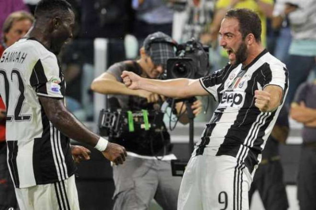Higuain hits back at critics after Juve debut