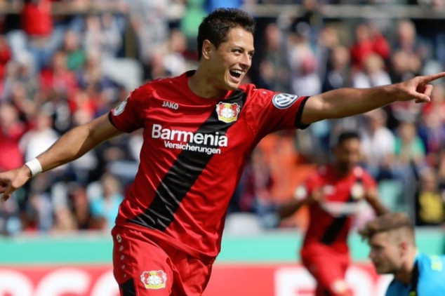 Chicharito earns yet another trophy