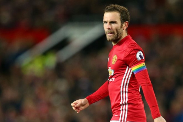 Mata leads the way for Mou's men, sets new record