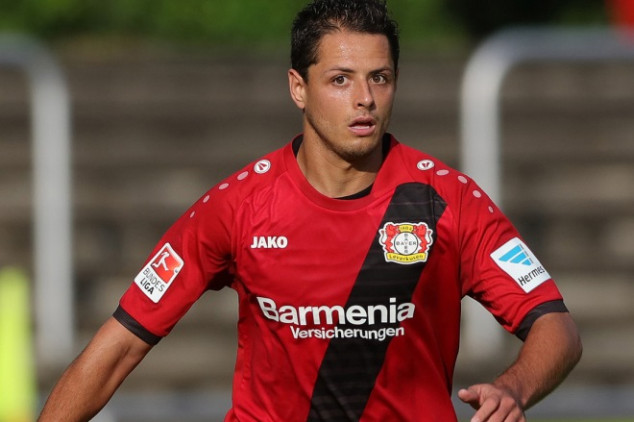 Chicharito will join West Ham on Monday