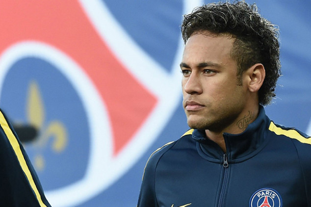 Neymar launches attack on Barca board