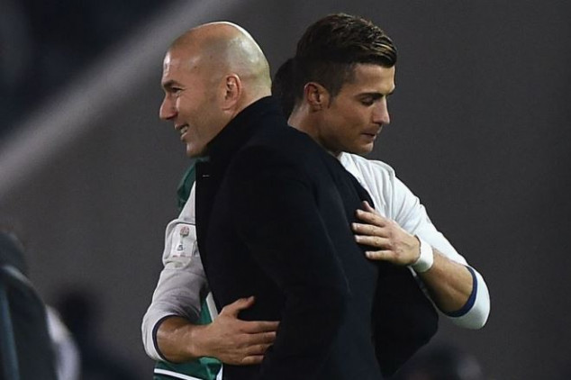 Zizou gives CR7 for success at R. Madrid