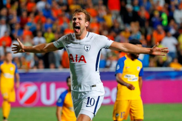 Kane joins elite goal scoring list with hat-trick
