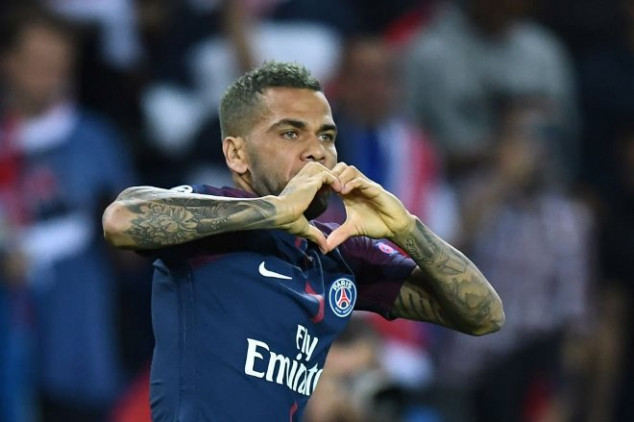 Alves scores 2nd earliest goal vs Bayern