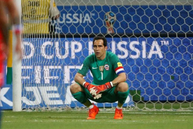 Bravo's wife slams Chilean footballers