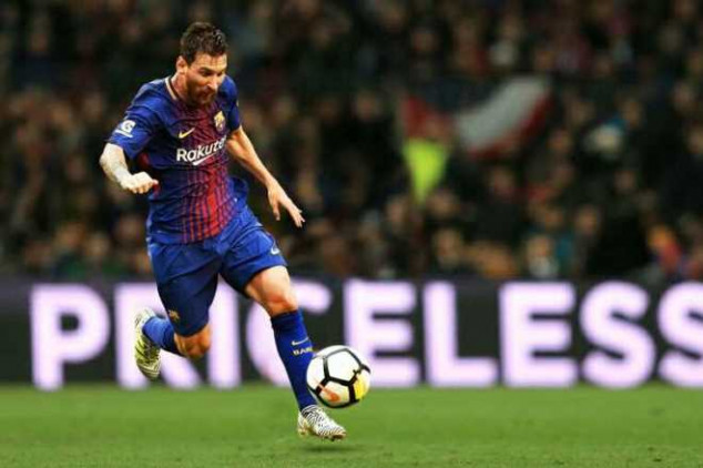 Messi joins 100-goal club in European comps