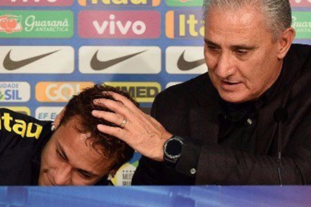 Neymar breaks down in tears at press conference