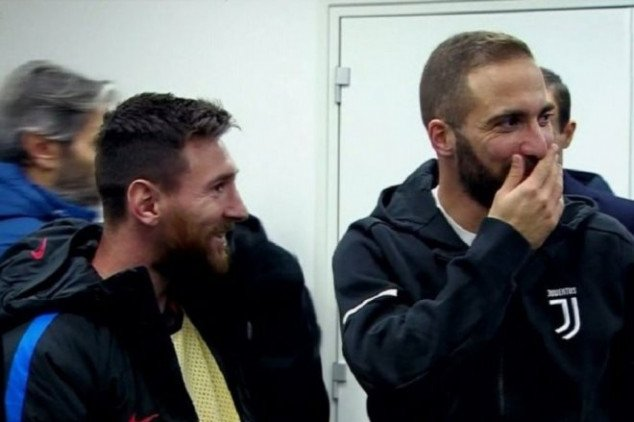 Higuan slammed on FB following pic by Messi