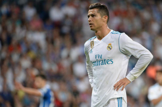 Barca player defends Cristiano's form