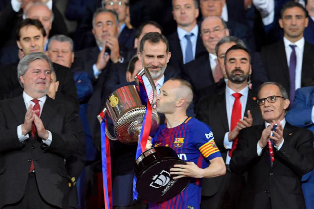 France Football apologizes to Iniesta