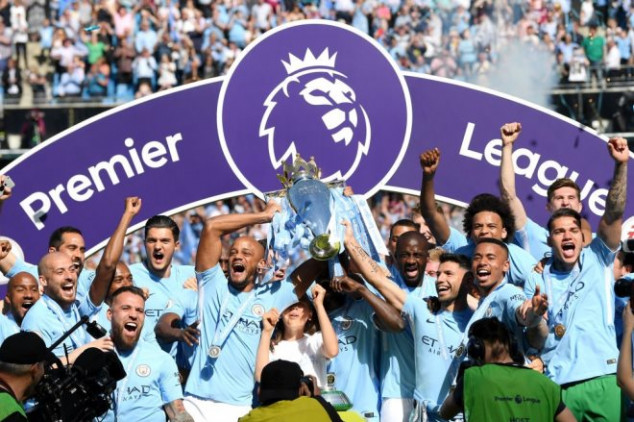 Title-winners Man City pay tribute to Sir Alex