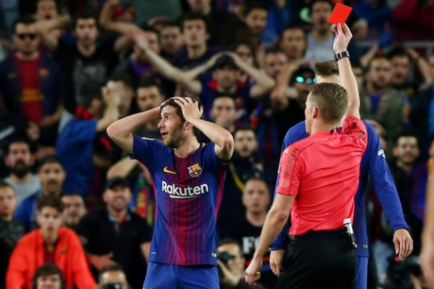 El Clasico: Fans furious as Sergi Roberto sees red