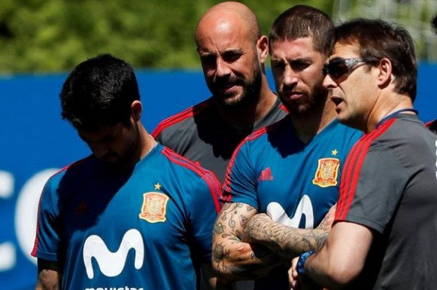 Reactions to Spain's shocking coach change