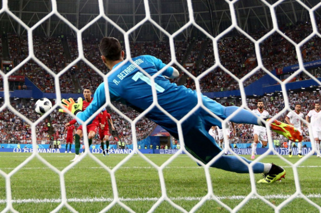 The inspirational story of Iran's goalkeeper