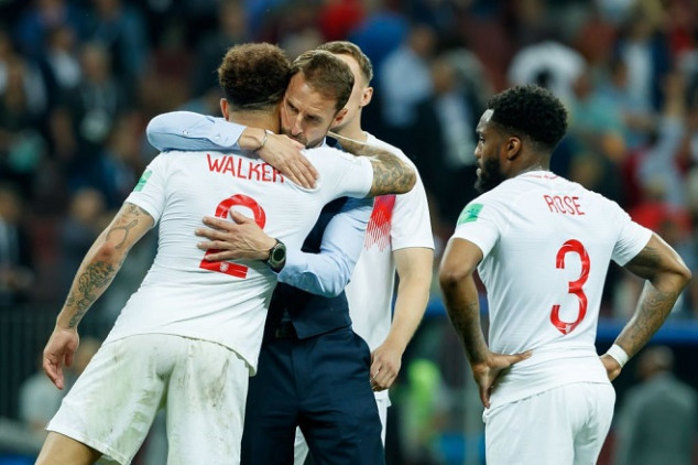 English outcasts show support for 3 Lions