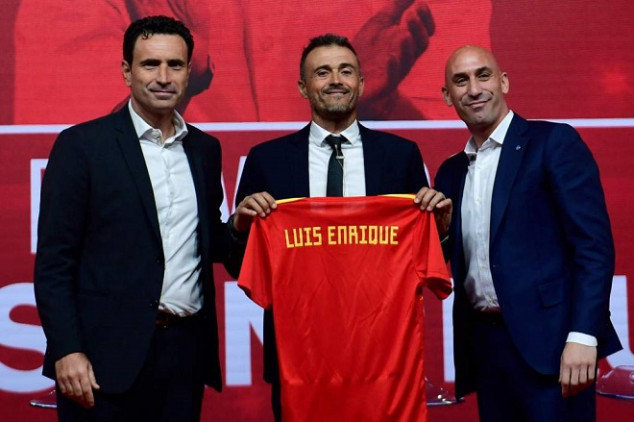 Luis Enrique takes over as Spain's new boss