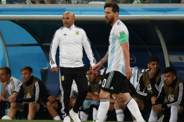 Messi DID fight with Sampaoli during World Cup