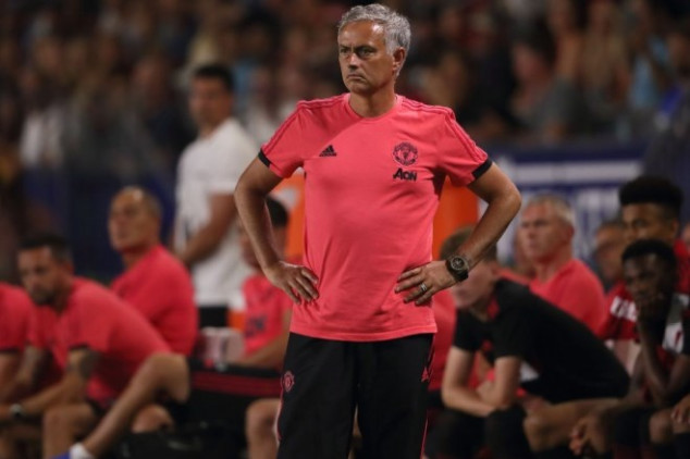 Mourinho fumes at Man United players