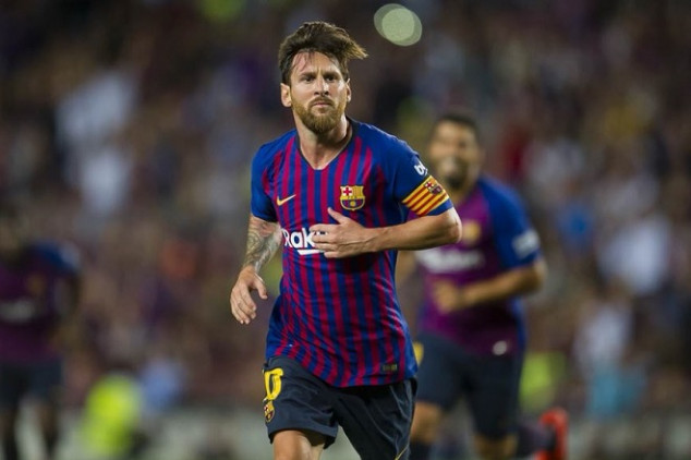 Messi kicks off UCL season with a bang