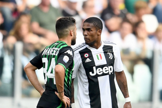Douglas Costa hit with four-game ban