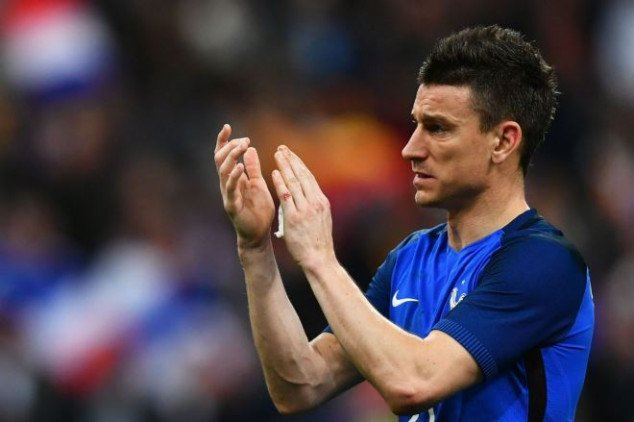Koscielny hits out at Deschamps as he retires