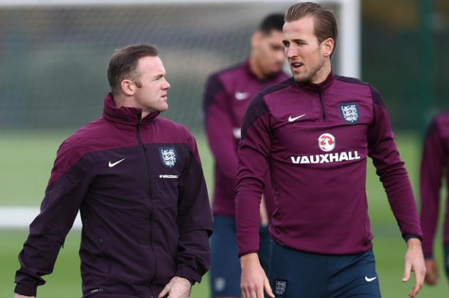 Kane sets sight on Rooney's goalscoring record