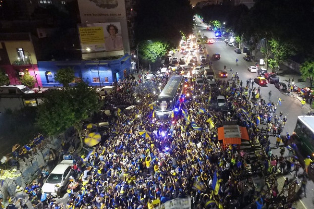 Boca fans give massive farewell to their team