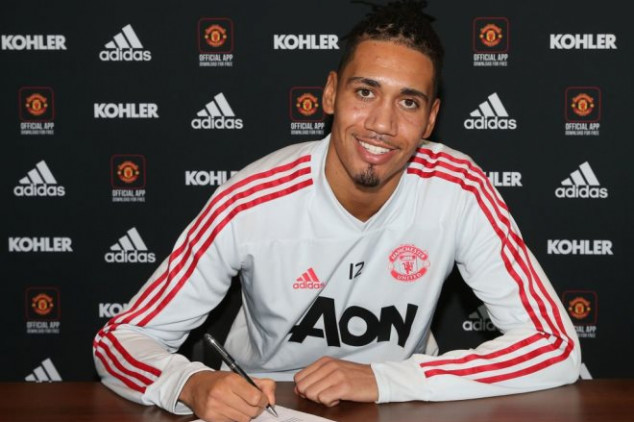 Fans question Manchester United's ambitions