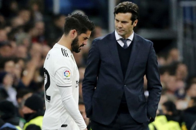 Real Madrid ace aims dig at Isco over sub role