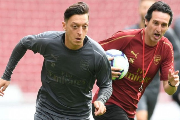 Emery clarifies Mesut Özil's potential transfer