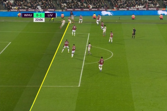 Referee blunder gifts Liverpool opener vs West Ham