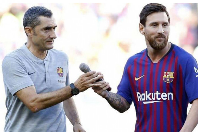 Valverde extends contract on Messi's anniversary