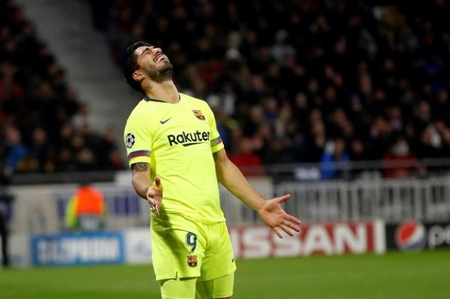 Suárez's UCL away game drought continues.