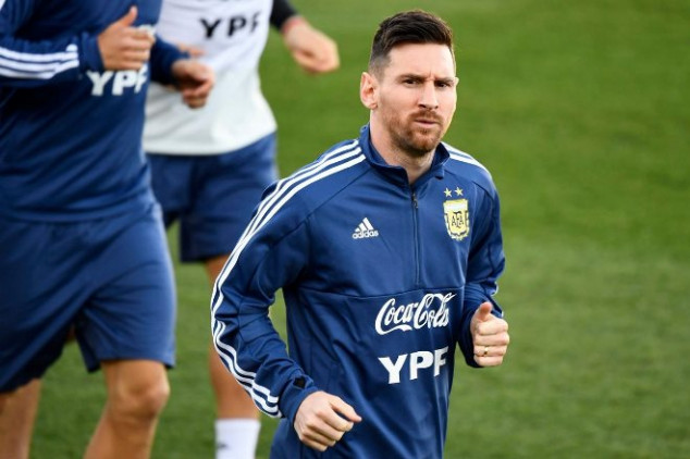 Messi trains at Real Madrid in Argentina return