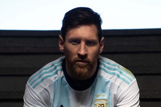 Messi and Dybala unveil Argentina's new kit