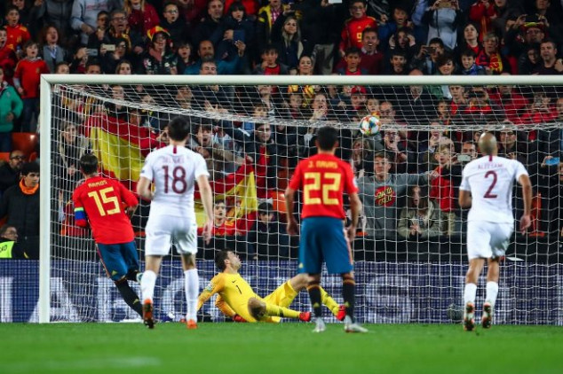 Ramos seals Norway win with Panenka penalty kick