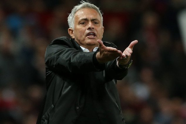 Mou narrows job search to two teams