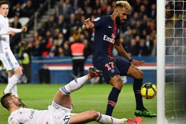 Choupo-Moting produces 'worst miss in history'